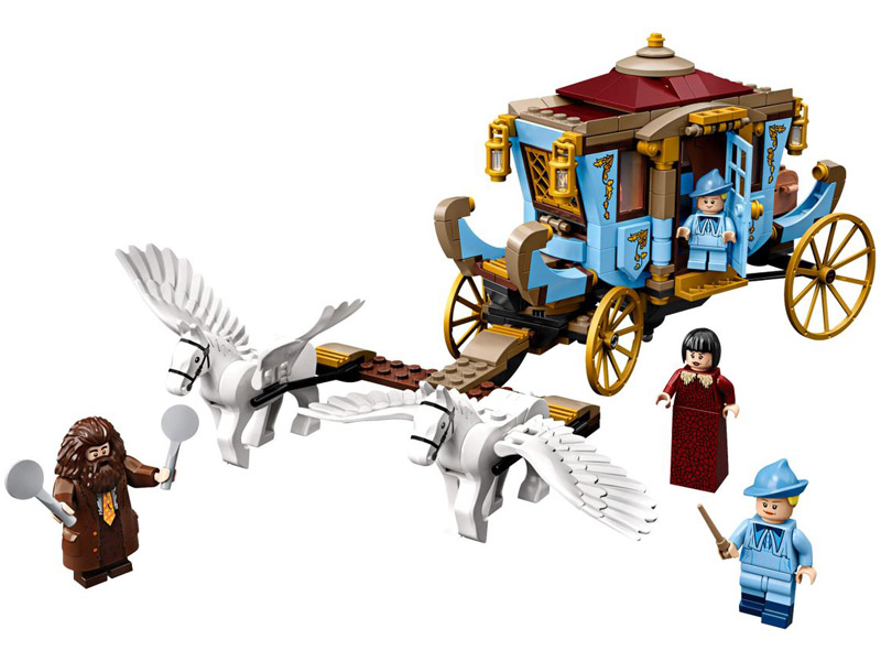 LEGO-75958-Harry Potter-Beauxbatons' Carriage: Arrival at Hogwarts